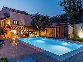 Stunning home in Omisalj w/ Outdoor swimming pool, WiFi and 4 Bedrooms