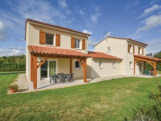 Stunning home in Savignac-Les-Eglises w/ WiFi and 3 Bedrooms