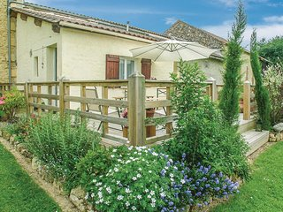 Nice home in Saint - Agne w/ WiFi, Outdoor swimming pool and 2 Bedrooms (FAD375)