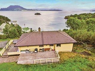 Nice home in Bjoa w/ 3 Bedrooms (N17060)