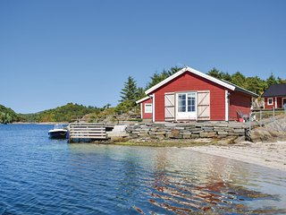 Stunning home in Haugesund w/ WiFi and 2 Bedrooms (N17291)