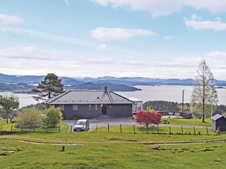 Amazing home in Stord w/ WiFi and 3 Bedrooms