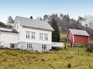 Awesome home in Lundegrend w/ WiFi and 3 Bedrooms