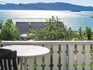 Amazing home in Fjelberg w/ 4 Bedrooms