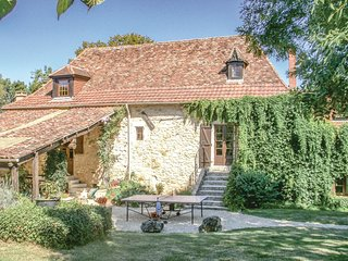 Nice home in St Martin des Combes w/ WiFi and 6 Bedrooms