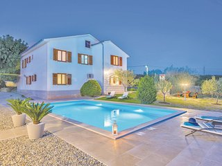 Amazing home in Krk w/ WiFi and 2 Bedrooms