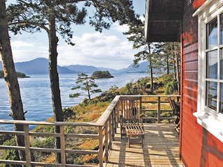 Awesome home in Arnavik w/ Sauna, 3 Bedrooms and WiFi (N18615)