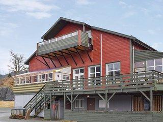 Nice home in Skanevik w/ 5 Bedrooms