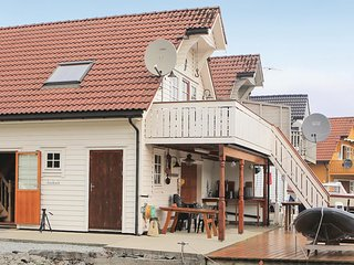 Awesome home in Bømlo w/ 3 Bedrooms
