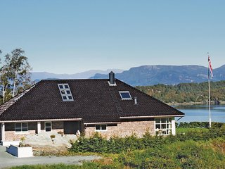 Beautiful home in Lundegrend w/ WiFi and 3 Bedrooms