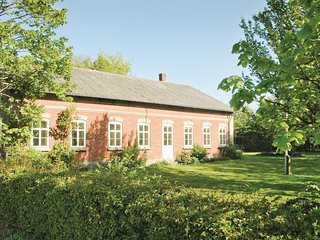 Amazing home in Bredebro w/ Sauna, WiFi and 7 Bedrooms (B1011)