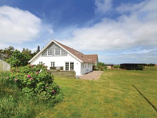 Stunning home in Thisted w/ Sauna, WiFi and 6 Bedrooms