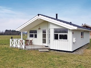 Beautiful home in Hovborg w/ WiFi and 3 Bedrooms