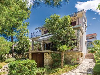 Stunning home in Malinska w/ WiFi and 3 Bedrooms