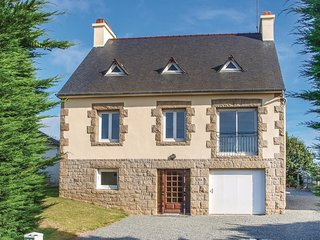 Nice home in Lezardrieux w/ WiFi and 4 Bedrooms