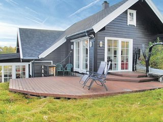 Amazing home in Norheimsund w/ WiFi and 5 Bedrooms