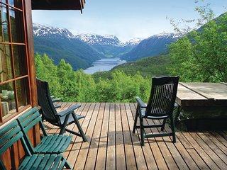 Nice home in Røldal w/ 5 Bedrooms