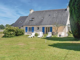 Amazing home in Mur de Bretagne w/ WiFi and 4 Bedrooms