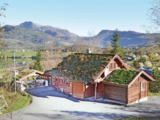 Stunning home in Eikelandsosen w/ Sauna and 6 Bedrooms (N19203)