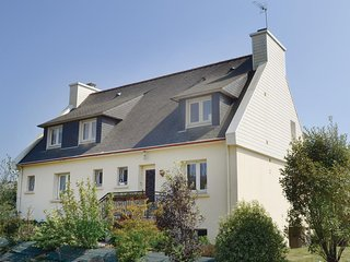 Nice home in Concarneau w/ WiFi and 3 Bedrooms (FBF068)
