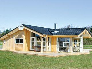 Beautiful home in Hemmet w/ Sauna and 3 Bedrooms