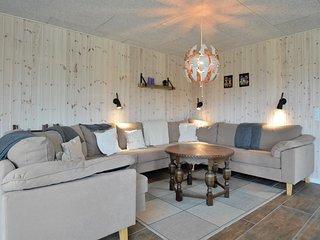 Beautiful home in Hemmet w/ WiFi and 3 Bedrooms