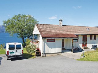 Awesome home in Kysnesstrand w/ 2 Bedrooms