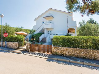 Beautiful home in Punat w/ WiFi and 3 Bedrooms
