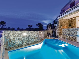 Nice home in Krk w/ WiFi and 2 Bedrooms