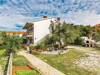 Nice home in Malinska w/ 3 Bedrooms