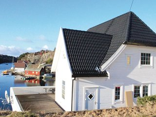 Awesome home in Steinsland w/ WiFi and 3 Bedrooms