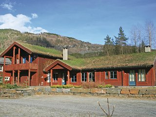 Amazing home in SKULESTADMO w/ WiFi and 4 Bedrooms