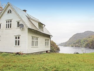 Stunning home in Lundegrend w/ 3 Bedrooms