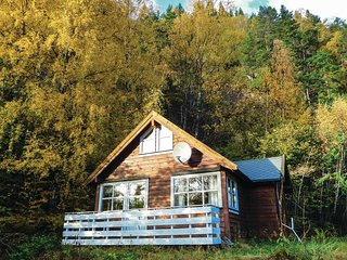 Awesome home in Vallavik w/ WiFi and 2 Bedrooms (N19703)