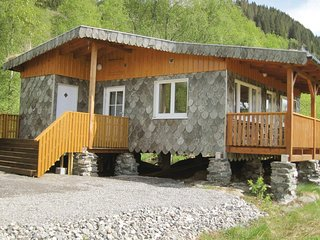 Beautiful home in Lonevåg w/ WiFi and 2 Bedrooms