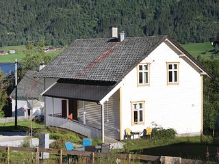Amazing home in Vossestrand w/ 2 Bedrooms (N20261)