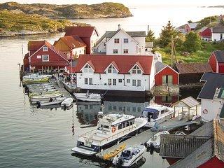Beautiful home in Tjeldstø w/ WiFi and 2 Bedrooms