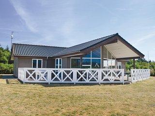 Nice home in Hemmet w/ Sauna, WiFi and 4 Bedrooms