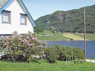Nice home in Sørbøvåg w/ 4 Bedrooms