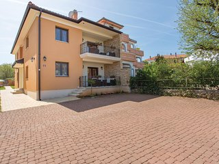 Beautiful home in Vantacici w/ WiFi and 1 Bedrooms