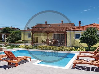 Awesome home in Loborika w/ WiFi and 4 Bedrooms