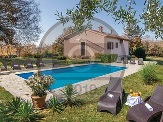 Beautiful home in Bale w/ WiFi, 2 Bedrooms and Outdoor swimming pool