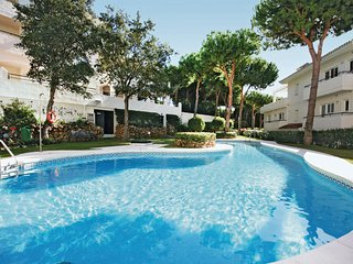 Stunning home in Marbella-Cabopino w/ 2 Bedrooms and WiFi