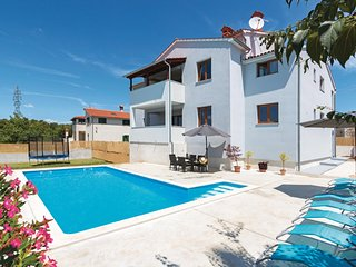 Nice home in Svetvincenat w/ WiFi and 3 Bedrooms
