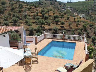 Stunning home in Torrox Costa w/ 3 Bedrooms