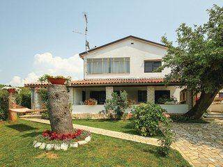 Stunning home in Porec w/ WiFi and 3 Bedrooms