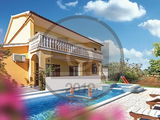 Stunning home in Vodnjan w/ WiFi, 2 Bedrooms and Outdoor swimming pool