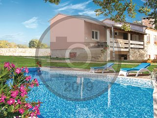 Amazing home in Vodnjan w/ WiFi, 3 Bedrooms and Outdoor swimming pool