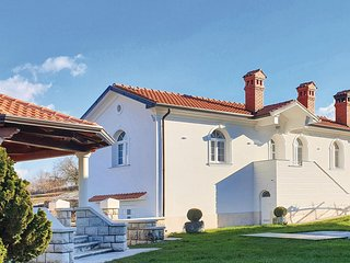 Nice home in Pazin w/ WiFi and 2 Bedrooms