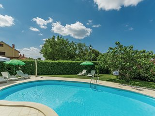 Stunning home in Porec w/ WiFi and 1 Bedrooms (CIE234)